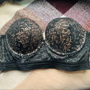 Victoria's Secret Very Sexy strapless bra